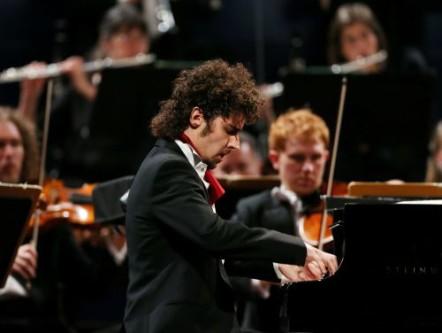 Federico Colli, Leeds International Piano Competition 2012, photo SWpix.com