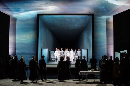 : Entering Elysium: the Gothenburg Opera Chorus and dancers. Photo: Mats Bäcker