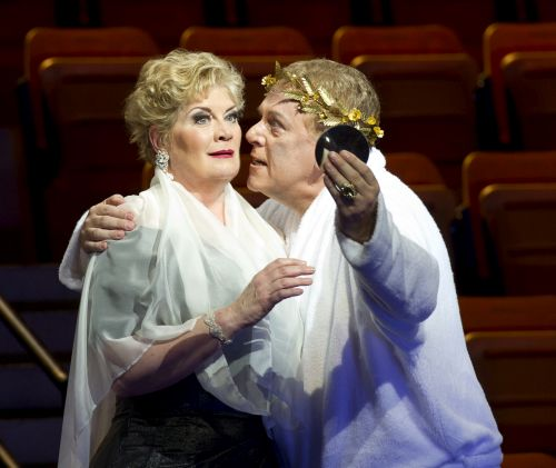 : Yvonne Howard (Caesonia) and Peter Coleman-Wright (Caligula) in Glanert's Caligula at Teatro Colón. (Photo Prensa Teatro Colón/Máximo Parpagnoli)