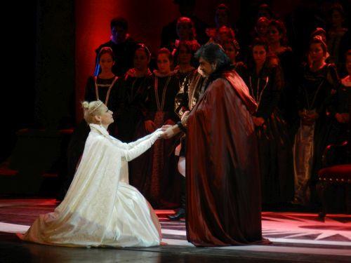 Elisabetta y Filippo II en auto de fe