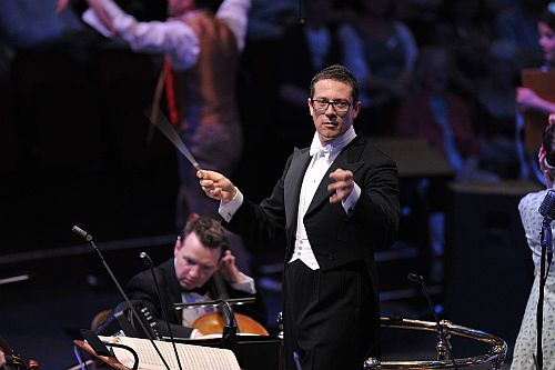 John Wilson conducts the John Wilson Orchestra in Cole Porter's Kiss Me Kate.