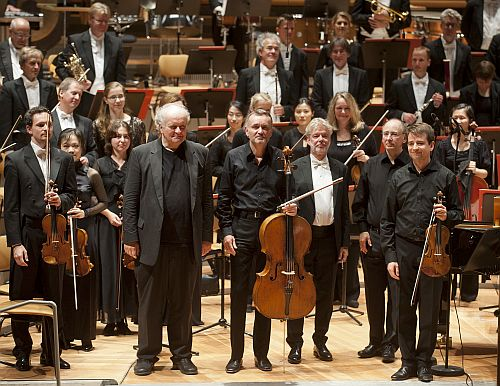 Philharmonie, Musikfest Berlin, WDR Sinfonieorchester Köln und Trio Jean Paul, Leitung: Jukka-Pekka Saraste, UA: Wolfgang Rihm, [(c) Kai Bienert