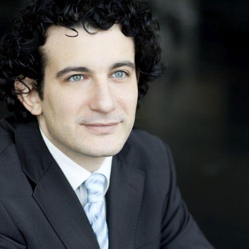 Alain Altinoglu  Photo (Fred Toulet)