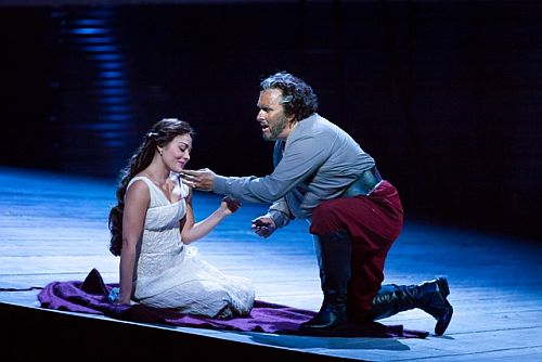 "Ailyn Pérez and Simon O'Neill in Houston Grand Opera's production of Verdi's ""Otello"" (Photo: Lynn Lane)"