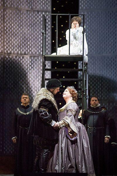 "Lyric Opera Presents ""Anna Bolena"" © Todd Rosenberg Photography 2014"