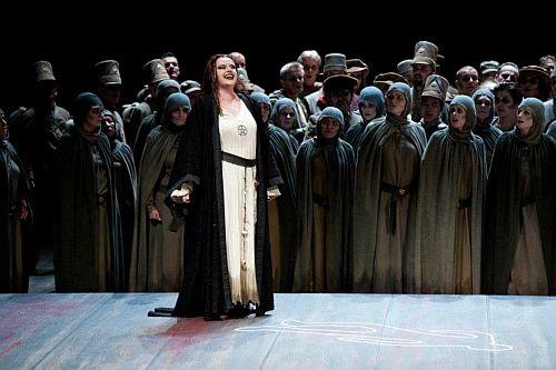 Petra Lang as Ortrud (c) Marcus Lieberenz