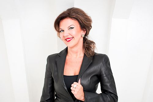 Tasmin Little Photo: B. Ealovega