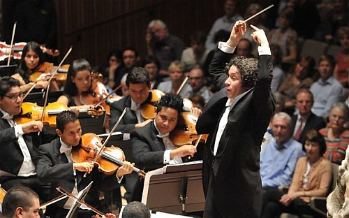 Dudamel and His Orchestra (c)  Chris Christodoulou