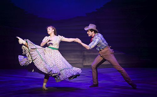 Charlotte Wakefield as Laurey andAshley Day as Curly in the National tour of OKLAHOMA! credit Pamela Raith