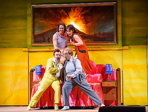 A scene from Il Turco In Italia by Rossini @ Royal Opera House. Directed by Moshe Leiser and Patrice Caurier. Conducted by Evelino Pido. (Opening 11-04-15) ©Tristram Kenton 03/15 (3 Raveley Street, LONDON NW5 2HX TEL 0207 267 5550  Mob 07973 617 355)email: tristram@tristramkenton.com