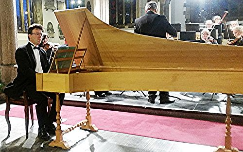 Ten Tors Orchestra with Julian Perkins (harpsichord) – pic credit Philip R ButtallTen Tors Orchestra with Julian Perkins (harpsichord) – pic credit Philip R Buttall