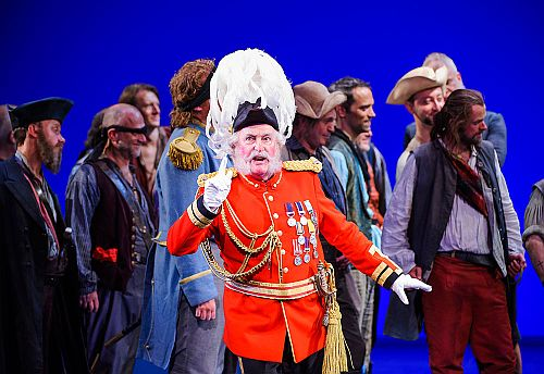 Andrew Shore as Major-General Stanley in The Pirates of Penzance c ENO/Tristram Kenton