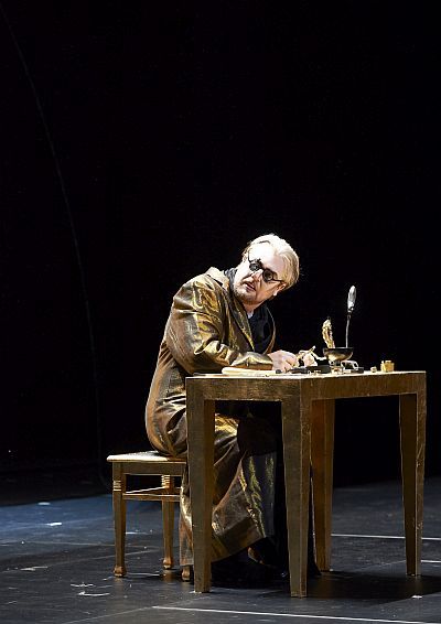 Picture of Tomasz Konieczny as Cardillac Photo credit to Wiener Staatsoper/Michael Pöhn.
