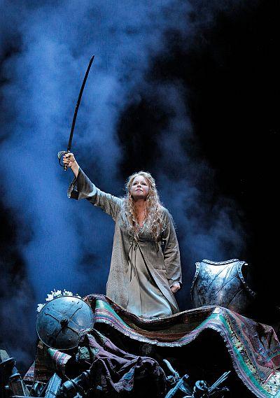 Act V  Mezzo-soprano Susan Graham as Didon (Dido). ©Cory Weaver/San Francisco Opera