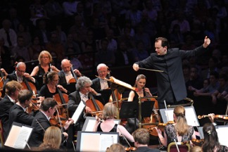 Andris Nelsons conducts the City of Birmingham Symphony Orchestra at the BBC Proms 2015. Photo: BBC/Chris Christodoulou