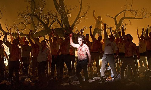 Gerald Finley as William Tell at end the of Act II pic credit ROH and Clive Barda