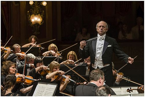 Budapest Festival Orchestra Rivets In Buenos Aires