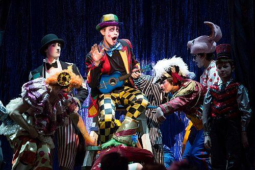 "Brenton Ryan as Beppe in ""Pagliacci."" (Photo: Craig T. Mathew / LA Opera)"