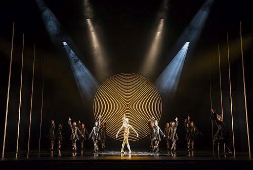 The king Dances_Birmingham Royal Ballet, Chorepgraphy; David Bintley, Le Roi Solei ; William Bracewell, Cardinal Mazarin; Iain Mackay, Selene, la Lune; Yijing Zhang, Conductor; Paul Murphy,