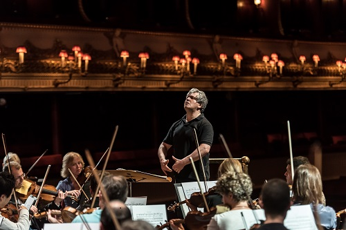 ANTONIO PAPPANO;  Royal Opera House; Covent Garden; London, UK; 4 May 2015; Rehearsing ROH orchestra on stage in programme of Ravel, Chausson, Bernstein, Skryabin; Photo: © ROH Photographer: CLIVE BARDA