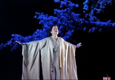 Ana Maria Martinez as Cio-Cio-San from Madame Butterfly. Photo by Ken Howard for LA Opera