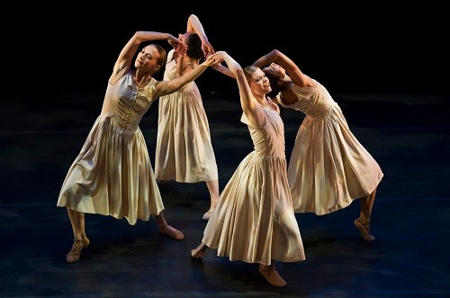 Limon Dance Company: Photo credit - Paula Lobo.