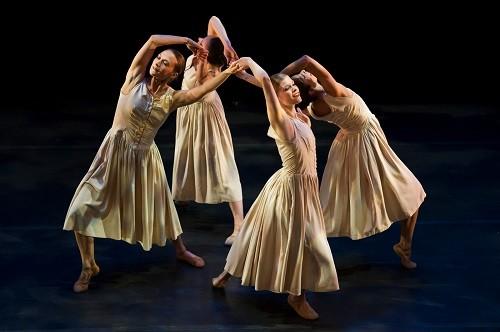 Limon Dance Company: Photo credit - Paula Lobo.