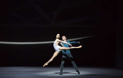Sophie Martin as Odette and Christopher Harrison as Siegfried in David Dawson's Swan Lake. Photo by Andy Ross (1)
