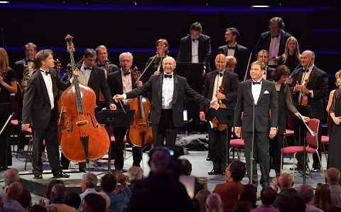 Zsolt Fejérvári (double bass) and Hanno Müller-Brachmann (bass) with Iván Fischer (conductor) and the Budapest Festival Orchestra. Photo Credit: Chris Christodoulou.