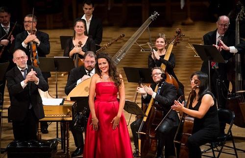 Amanda Forsythe with conductor Alexander Weimann © Jan Gates.