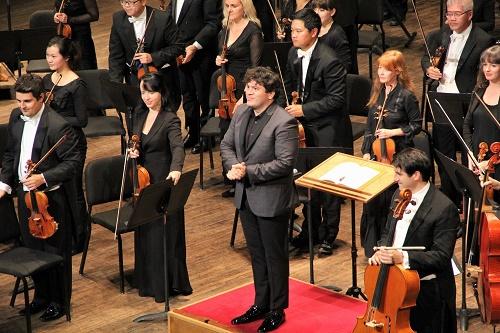 Conductor Cristian Măcelaru (Courtesy Vancouver Symphony)