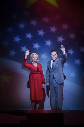 Hanna Husáhr as Pat Nixon and Ola Eliasson as Richard Nixon. Photo © Markus Gårder