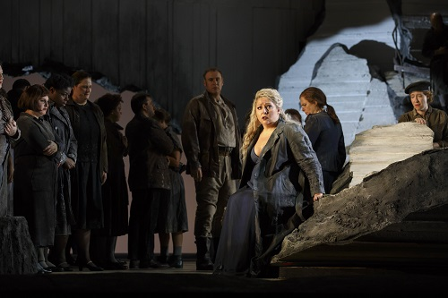 11/9/16 1:38:05 PM Lyric Opera of Chicago Les Troyens Dress Rehearsal Conductor: Sir Andrew Davis Director: Tim Albery Cassandra: Christine Goerke Dido: Susan Graham Aeneas: Brandon Jovanovich Chorebus: Lucas Meachem © Todd Rosenberg Photography 2016