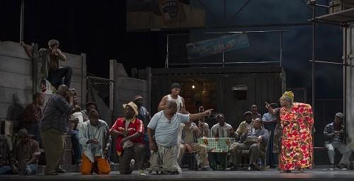 Cape Town Opera's 'Porgy and Bess' at Teatro Colón. (Photo Máximo Parpagnoli)