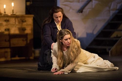 Operan Jenufa på Kungliga Operan våren 2017. På bilden; Malin Byström i rollen som Jenůfa samt Lena Nordin som Kostelnička.