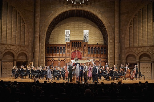 'Violins of Hope' with the Cleveland Orchestra (c) Roger Mastroianni