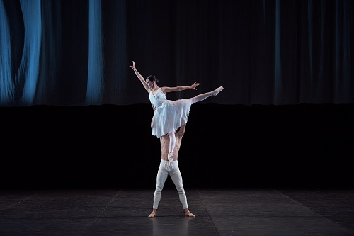 english_national_ballet_tamara_rojo_and_isaac_hernandez_in_adagio_hammerklavier_c_laurent_liotardo_2