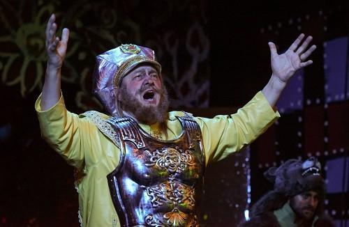 Mikhail Svetlov as King Dodon in Golden Cockerel © New Opera NYC.