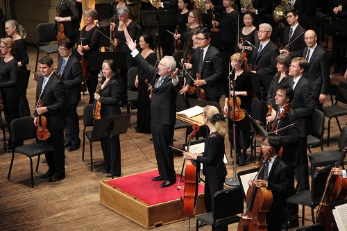 Bramwell Tovey and the Vancouver Symphony Orchestra © Matthew Baird