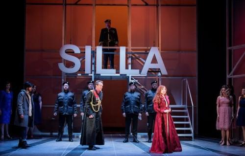 Lucio Silla - Joshua Ellicott as Lucio Silla and Rebecca Bottone as Giunia. Credit Robert Workman
