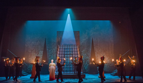 A scene from Aida by Verdi @ London Coliseum. An English National Opera production. Conducted by Keri-Lynn Wilson. Directed by Phelim McDermott. (Opening 28-09-17) ©Tristram Kenton 09-17 (3 Raveley Street, LONDON NW5 2HX TEL 0207 267 5550 Mob 07973 617 355)email: tristram@tristramkenton.com