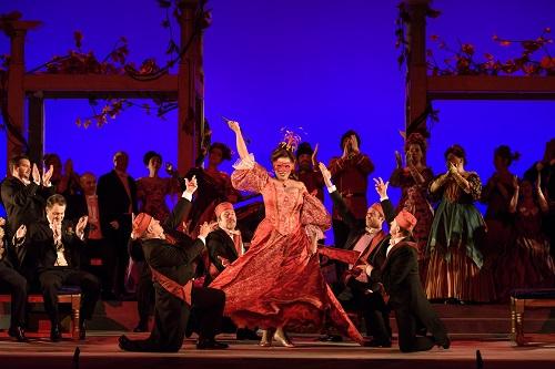 Die Fledermaus, Welsh National Opera; photo credit - Bill Cooper.