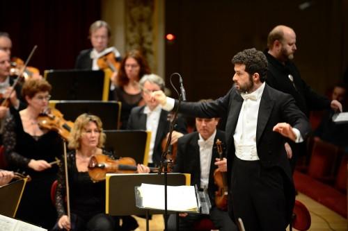 Omer Meir Wellber conducting Guntram with Staatskapelle Dresden © Matthias Creutziger