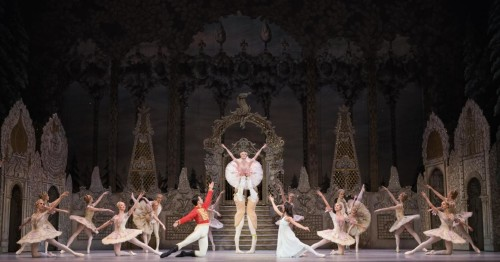 Peter Wright S The Nutcracker Returns To The Royal Ballet