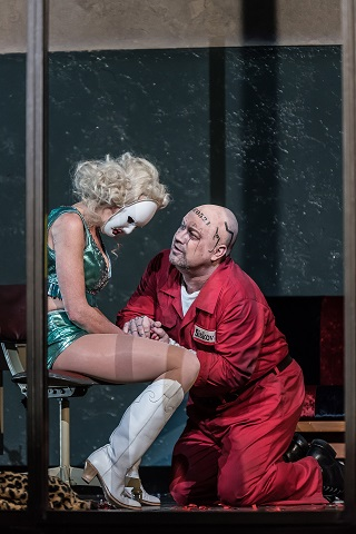 Allison Cook as Prostitute, Johan Reuter as Šiškov (C) ROH. Photo by Clive Barda