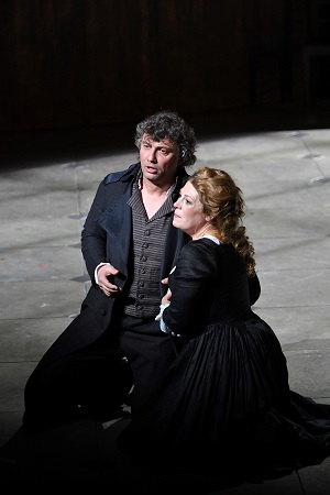 Jonas Kaufmann & Sondra Radvanovsky in Andrea Chénier © A. Bofill