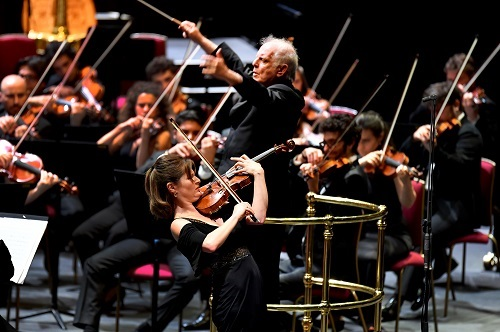 Lisa Batiashvili (violin), Daniel Baremboim (conductor) and the West-Eastern Divan Orchestra (c) BBC/Chris Christodoulou