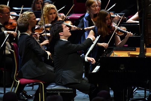 Seong-Jin Cho (piano) with the European Union Youth Orchestra, conducted by Gianandrea Noseda (c) BBC/Chris Christodoulou