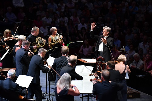 Thomas Dausgaard and the Swedish Chamber Orchestra