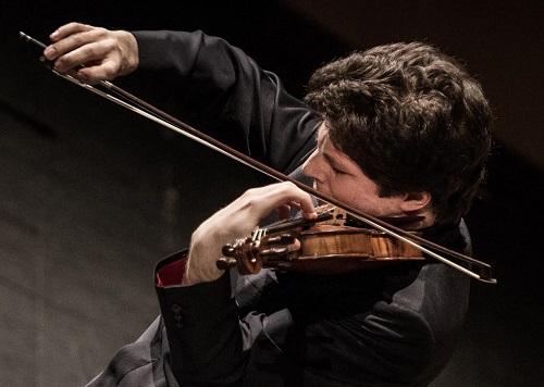 Augustin Hadelich (Photo: Luca Valentina)